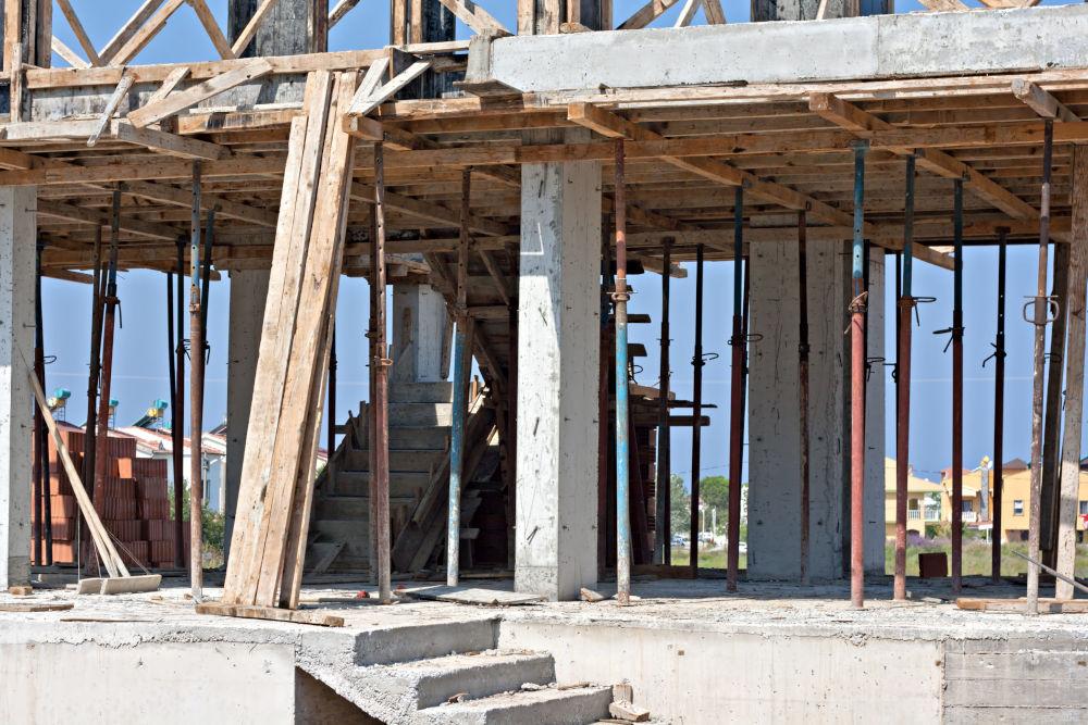 Construction: fondation et enveloppe de bâtiment